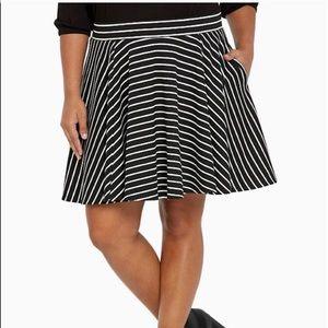 Torrid Black White Striped Circle Skirt Size 2